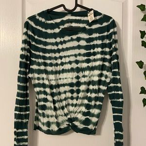 VS PINK Green and white long sleeve